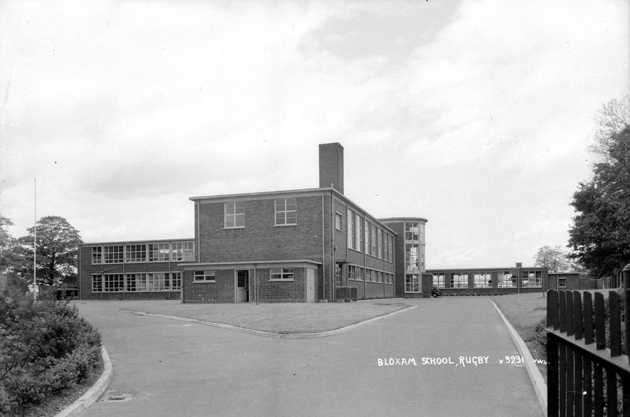 Bloxam School,[Webb Ellis Road] Bilton. 1950s[This school was built to accommodate the children from the Overslade Estate]    IMAGE LOCATION: (Warwickshire County Record Office)