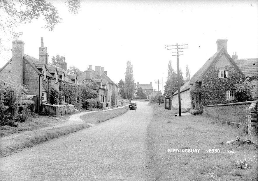 Main Street, Birdingbury.  1930s    IMAGE LOCATION: (Warwickshire County Record Office)