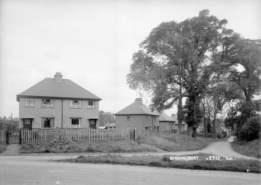 Birdingbury houses.  1930s |  IMAGE LOCATION: (Warwickshire County Record Office)