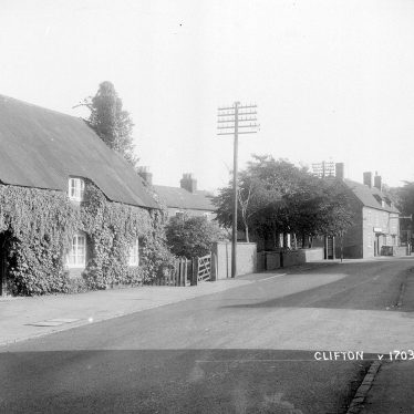Clifton upon Dunsmore.  Thatched cottages
