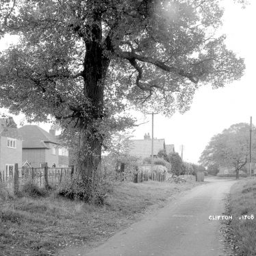 Clifton upon Dunsmore.  Village lane