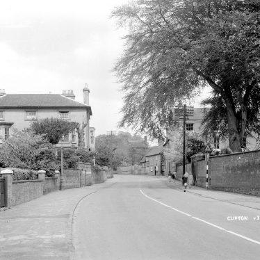 Clifton upon Dunsmore.  Village street