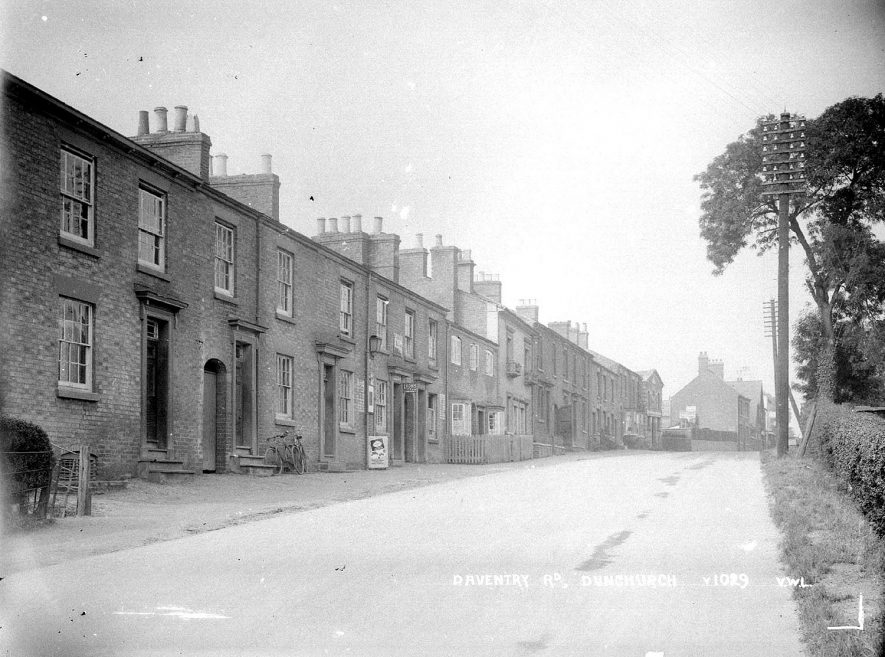 View along Daventry Road, Dunchurch.  1930s |  IMAGE LOCATION: (Warwickshire County Record Office)