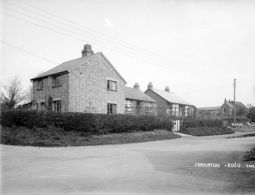 An house on the corner of Cooks Lane & Main Street, Frankton, showing some cottages and the village school. 1950s[It is known that there was a school in Main Street which was no longer in use during the 1940's] |  IMAGE LOCATION: (Warwickshire County Record Office)