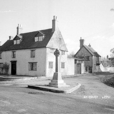 Harbury.  War memorial