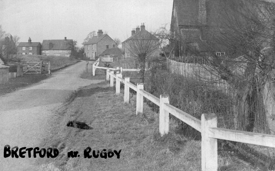 A country lane in Bretford.  1920s |  IMAGE LOCATION: (Warwickshire County Record Office)