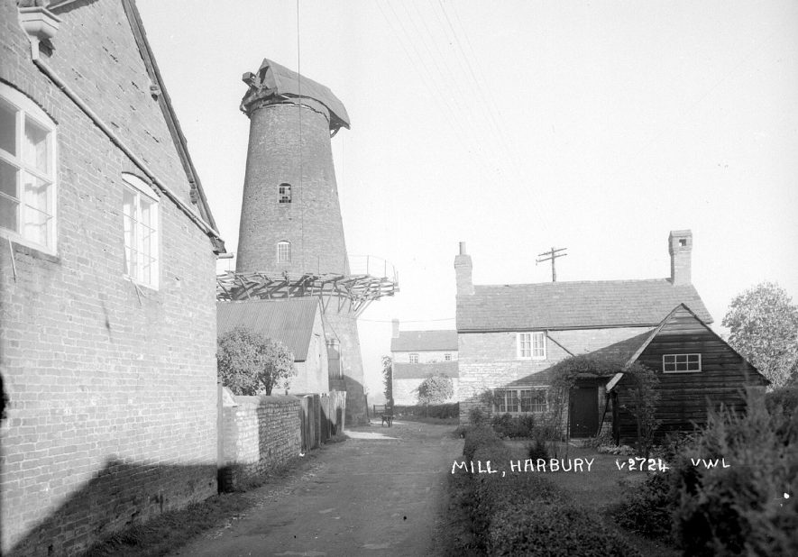 The remains of the windmill at Harbury.  1950s |  IMAGE LOCATION: (Warwickshire County Record Office)