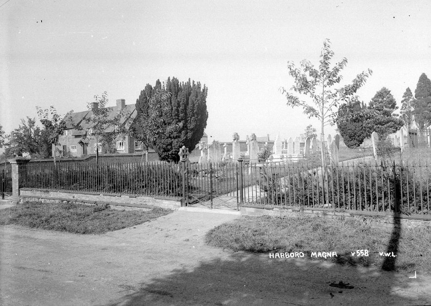 Harborough Magna graveyard.  1940s |  IMAGE LOCATION: (Warwickshire County Record Office)
