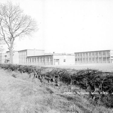 Hillmorton.  Dunsmore Secondary school