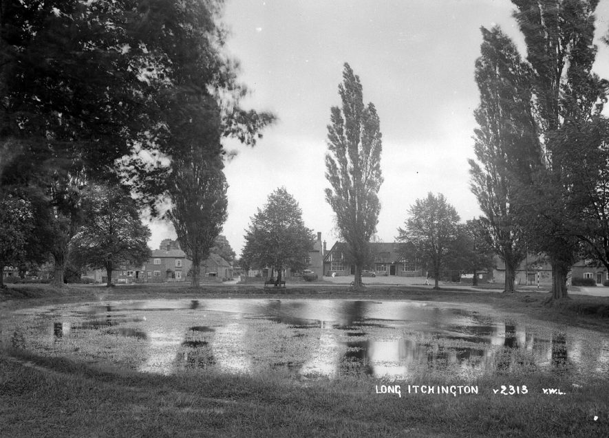 The village pond at Long Itchington.  1930s |  IMAGE LOCATION: (Warwickshire County Record Office)