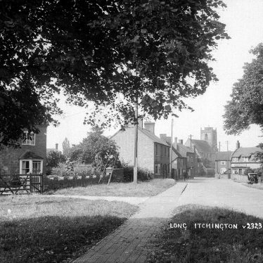 Long Itchington.  Church Road