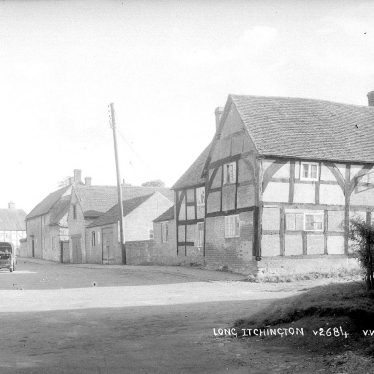 Long Itchington.  Cottages