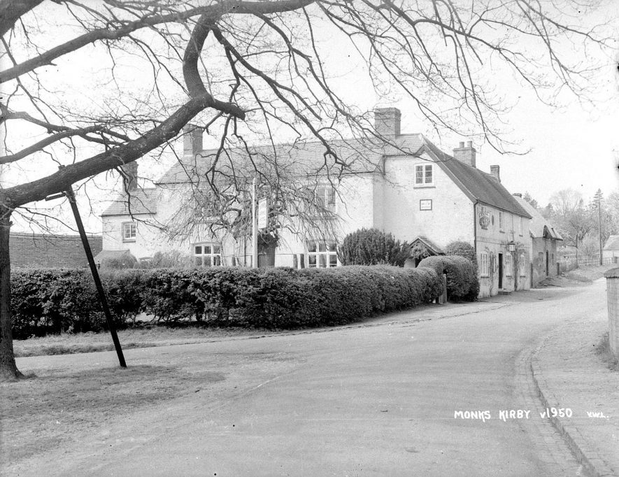 The Denbigh Arm Hotel, Monks Kirby.  1950s    IMAGE LOCATION: (Warwickshire County Record Office)