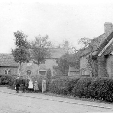 Bourton on Dunsmore.  Village scene