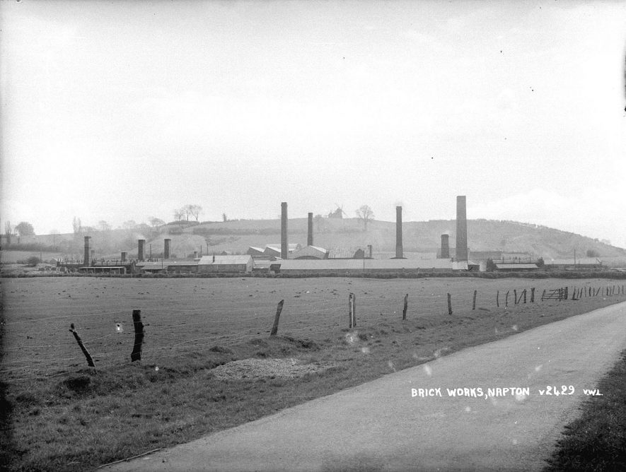A view looking towards the brickworks, Napton on the Hill.  1950s |  IMAGE LOCATION: (Warwickshire County Record Office)