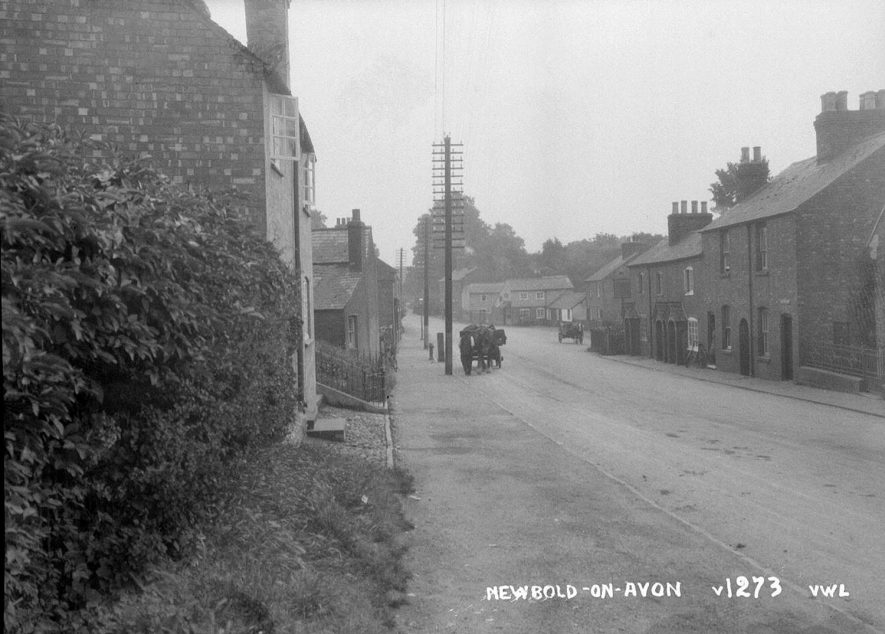 Main Street in Newbold on Avon.  1930s |  IMAGE LOCATION: (Warwickshire County Record Office)