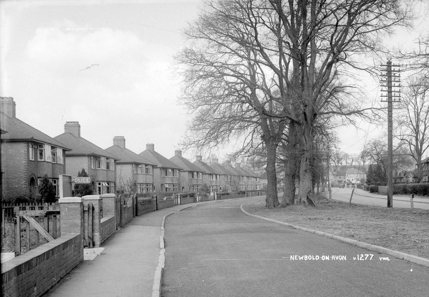 Newly built semi-detached houses, Newbold on Avon.  1930s |  IMAGE LOCATION: (Warwickshire County Record Office)