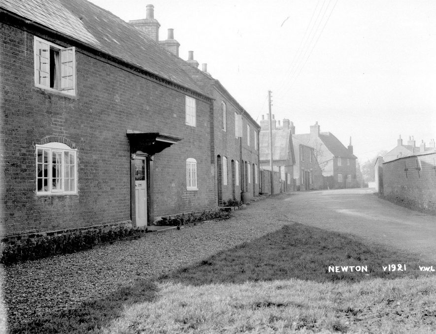 Street with cottages, Newton.  1935 |  IMAGE LOCATION: (Warwickshire County Record Office)