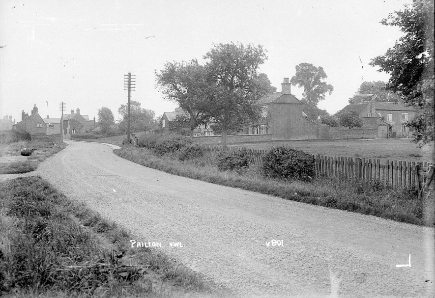 Road leading toward the village and houses, Pailton.  1931 |  IMAGE LOCATION: (Warwickshire County Record Office)