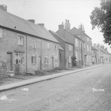Pailton.  Cottages