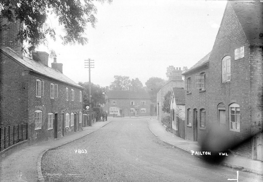 Street with cottages, Pailton.  1949 |  IMAGE LOCATION: (Warwickshire County Record Office)