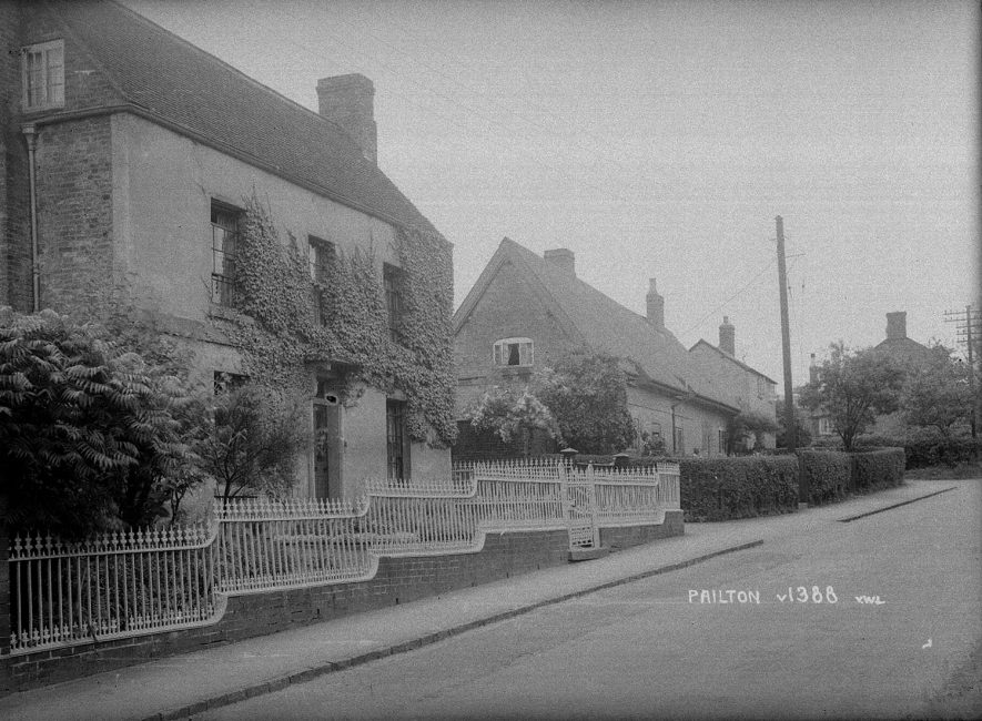 Street with cottages, Pailton.  1939 |  IMAGE LOCATION: (Warwickshire County Record Office)