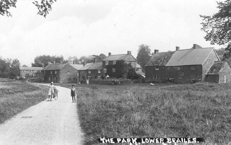 The Park, Lower Brailes.  1910s |  IMAGE LOCATION: (Warwickshire County Record Office)