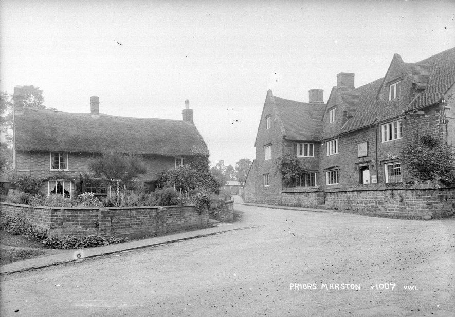 Cottages and public house in Priors Marston.  1920s |  IMAGE LOCATION: (Warwickshire County Record Office)