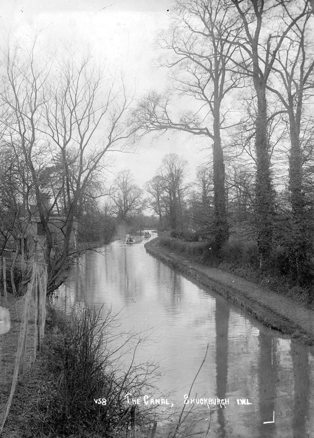 The Grand Union canal at Lower Shuckburgh.  1930s |  IMAGE LOCATION: (Warwickshire County Record Office)