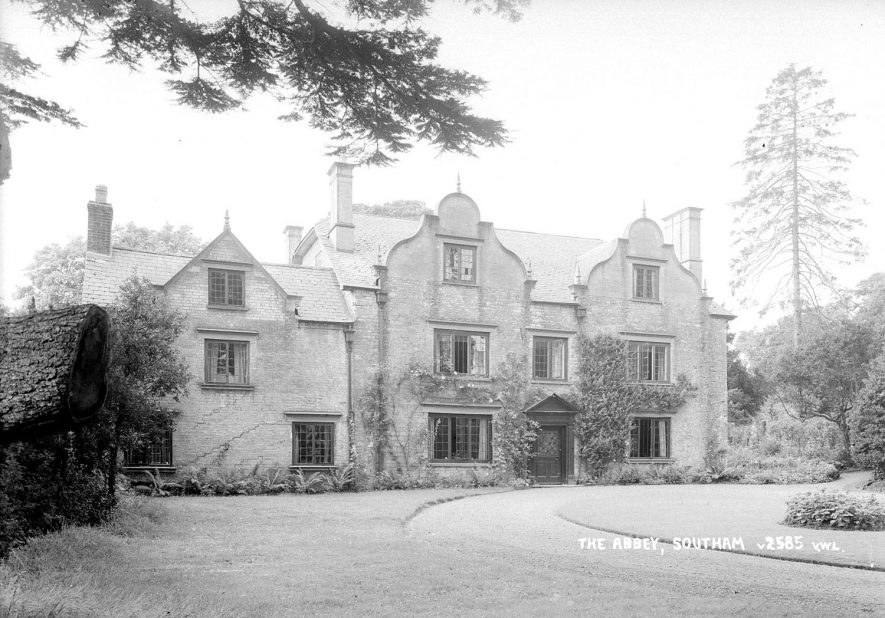 A large house known as The  Abbey, Southam.  1952    IMAGE LOCATION: (Warwickshire County Record Office)