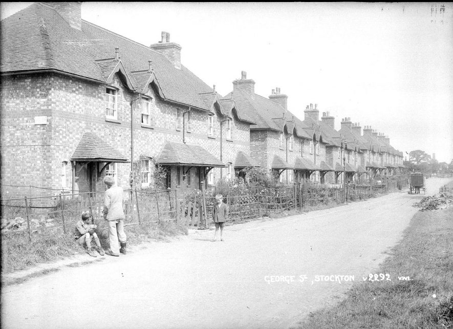 Stockton.  Houses in George Street.  1930s |  IMAGE LOCATION: (Warwickshire County Record Office)
