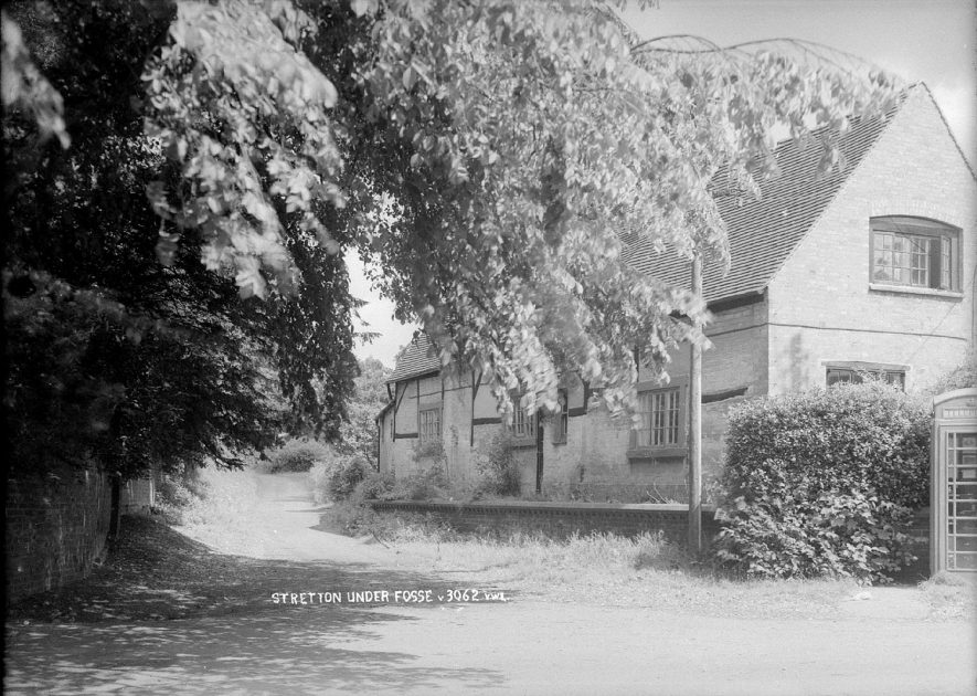 Unidentified cottages in Stretton under Fosse.  1960s |  IMAGE LOCATION: (Warwickshire County Record Office)