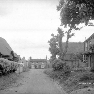 Thurlaston.  Cottages in Church Lane