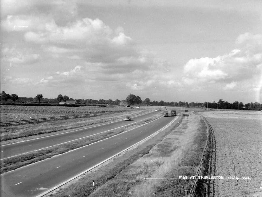 The newly constructed M45 motorway at Thurlaston.  1960s |  IMAGE LOCATION: (Warwickshire County Record Office)