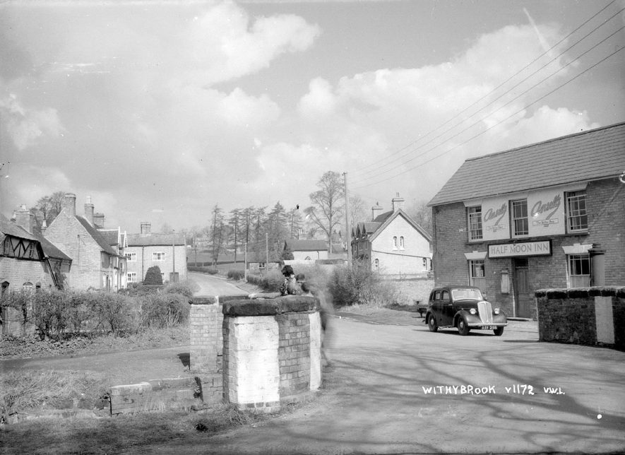 The Half Moon Inn and other cottages in Withybrook.  1930s |  IMAGE LOCATION: (Warwickshire County Record Office)
