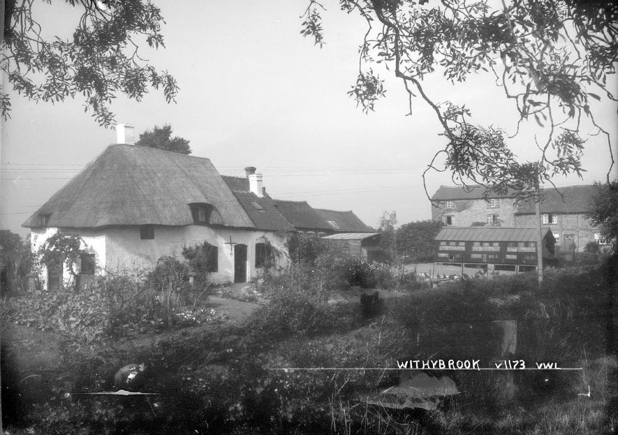 A view of cottages in Withybrook.  1930s |  IMAGE LOCATION: (Warwickshire County Record Office)