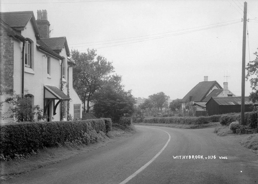 An unidentified street and cottages in Withybrook.  1930s |  IMAGE LOCATION: (Warwickshire County Record Office)
