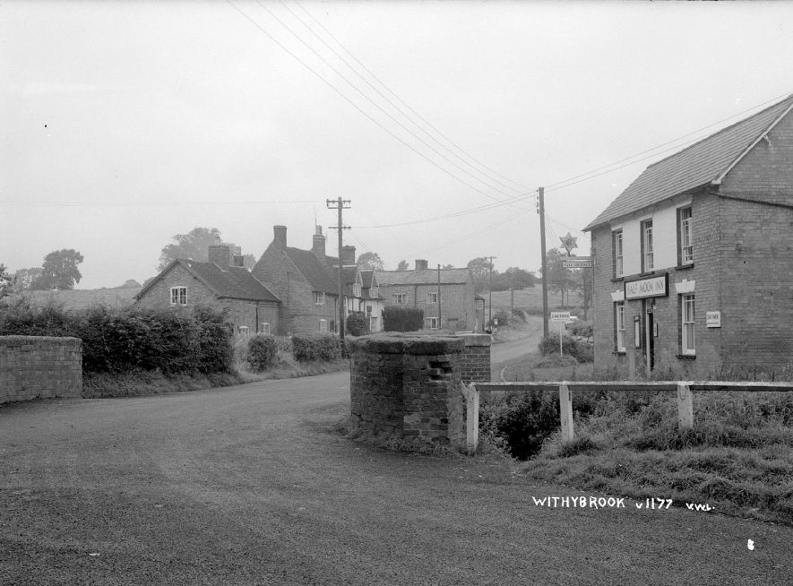 The Half Moon Inn and cottages in Withybrook.  1930s |  IMAGE LOCATION: (Warwickshire County Record Office)