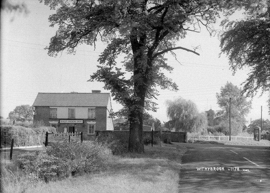 The Half Moon Inn, Withybrook.  1930s |  IMAGE LOCATION: (Warwickshire County Record Office)