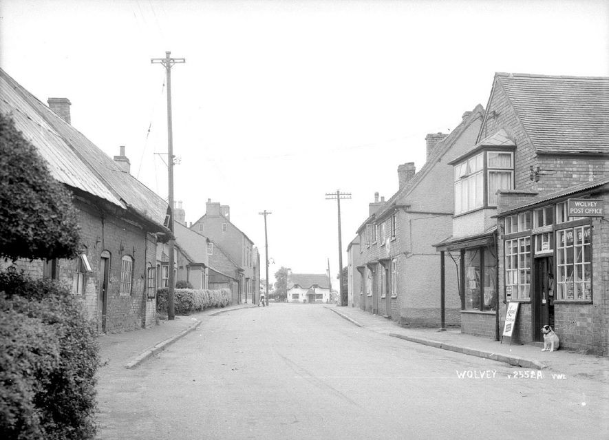 The Post Office and cottages in Wolvey.  1950s |  IMAGE LOCATION: (Warwickshire County Record Office)