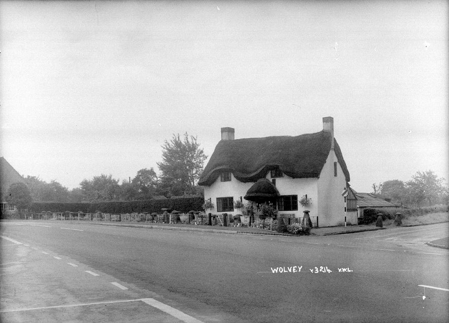 A thatched cottage in Wolvey.  1960s |  IMAGE LOCATION: (Warwickshire County Record Office)