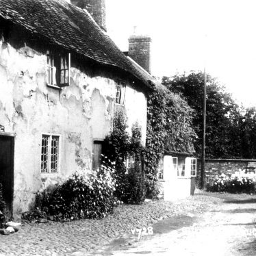 Clifton upon Dunsmore.  Sharpes Cottages