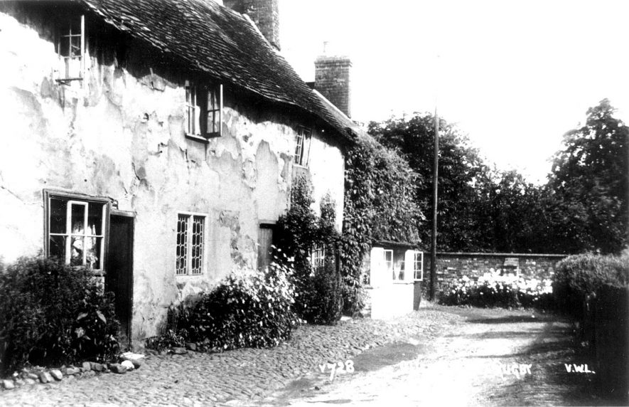 Sharpes Cottages, Clifton upon Dunsmore.  1920s |  IMAGE LOCATION: (Warwickshire County Record Office)