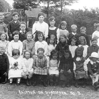 Clifton upon Dunsmore.  School group