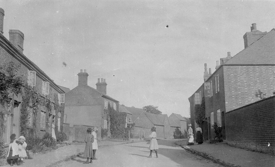A street scene in Churchover.  1920s |  IMAGE LOCATION: (Warwickshire County Record Office)