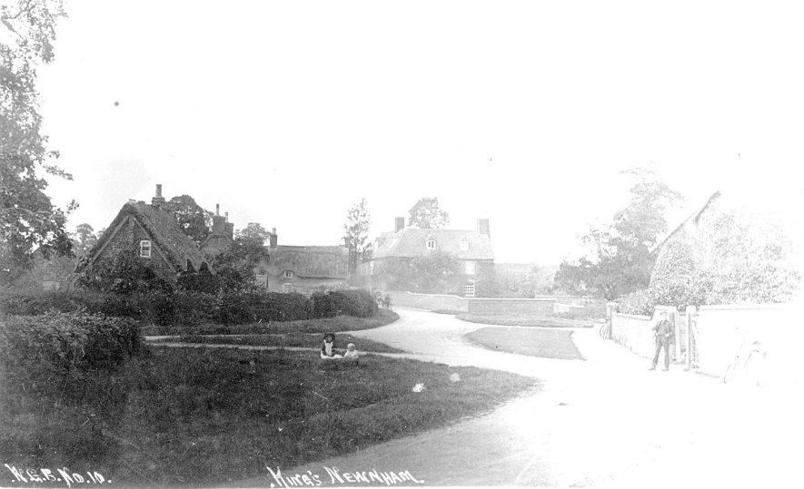 Street scene in Kings Newnham.  1910s |  IMAGE LOCATION: (Warwickshire County Record Office)