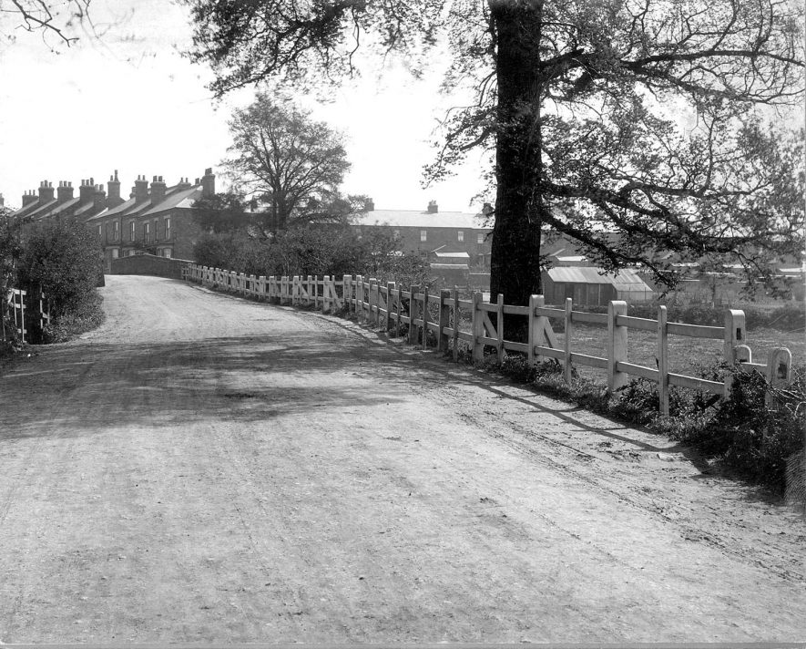 Road bridge on road between Rugby and Clifton upon Dunsmore.  1920s |  IMAGE LOCATION: (Warwickshire County Record Office)