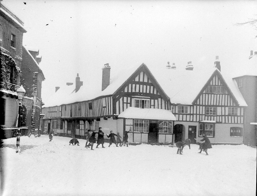 Church Street, Alcester, under snow.  1930s |  IMAGE LOCATION: (Warwickshire County Record Office)