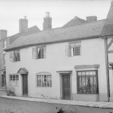 Alcester.  Priory Road