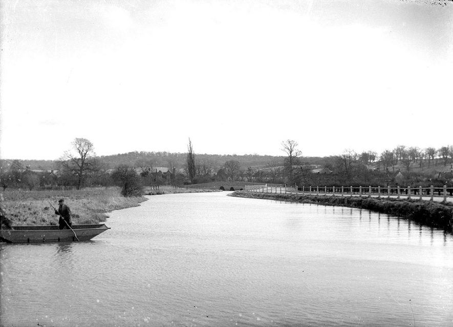 River Arrow with Oversley Bank in the distant background, Arrow.  1930s |  IMAGE LOCATION: (Warwickshire County Record Office)